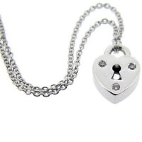 An 18ct White Gold Heart Diamond Locket Pendant. 18ct gold chain