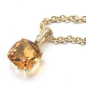 A Simple 18ct Gold Citrine and Diamond Pendant and 18k Chain. - Click Image to Close