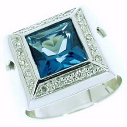Blue Topaz and Diamond Ring. 18ct White Gold (750).