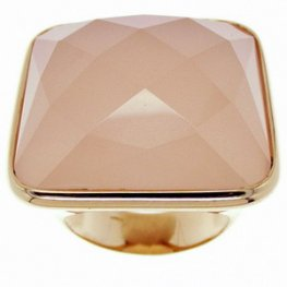 A Pink Chalcedony Dress Ring. Set in 18ct -750 Rose Gold.