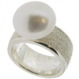 Via Roma Pearl Ring