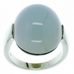A Radiant Chalcedony single stone ring.